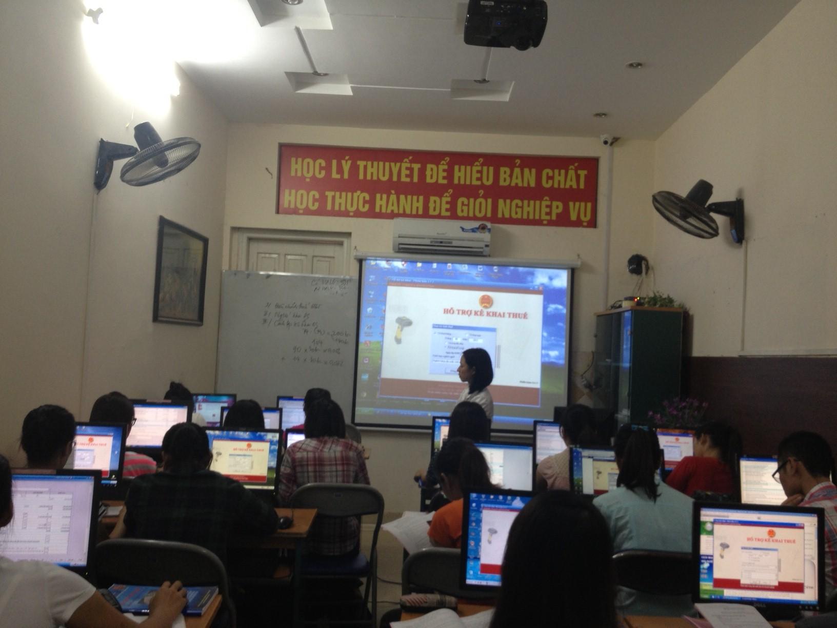 Hình ảnh: Lớp học kế toán tổng hợp thực hành